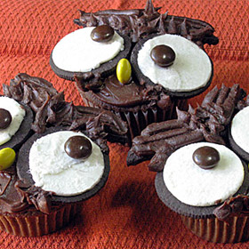 Owl Cupcakes! For a Happy Owl-O-Ween.