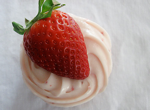 strawberry-cupcake-1