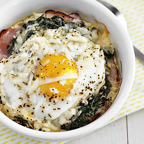Baked Eggs with Grits and Ham