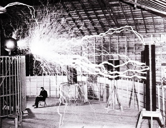 Nikola Tesla, just hanging out in his Colorado Springs lab, December 1899.